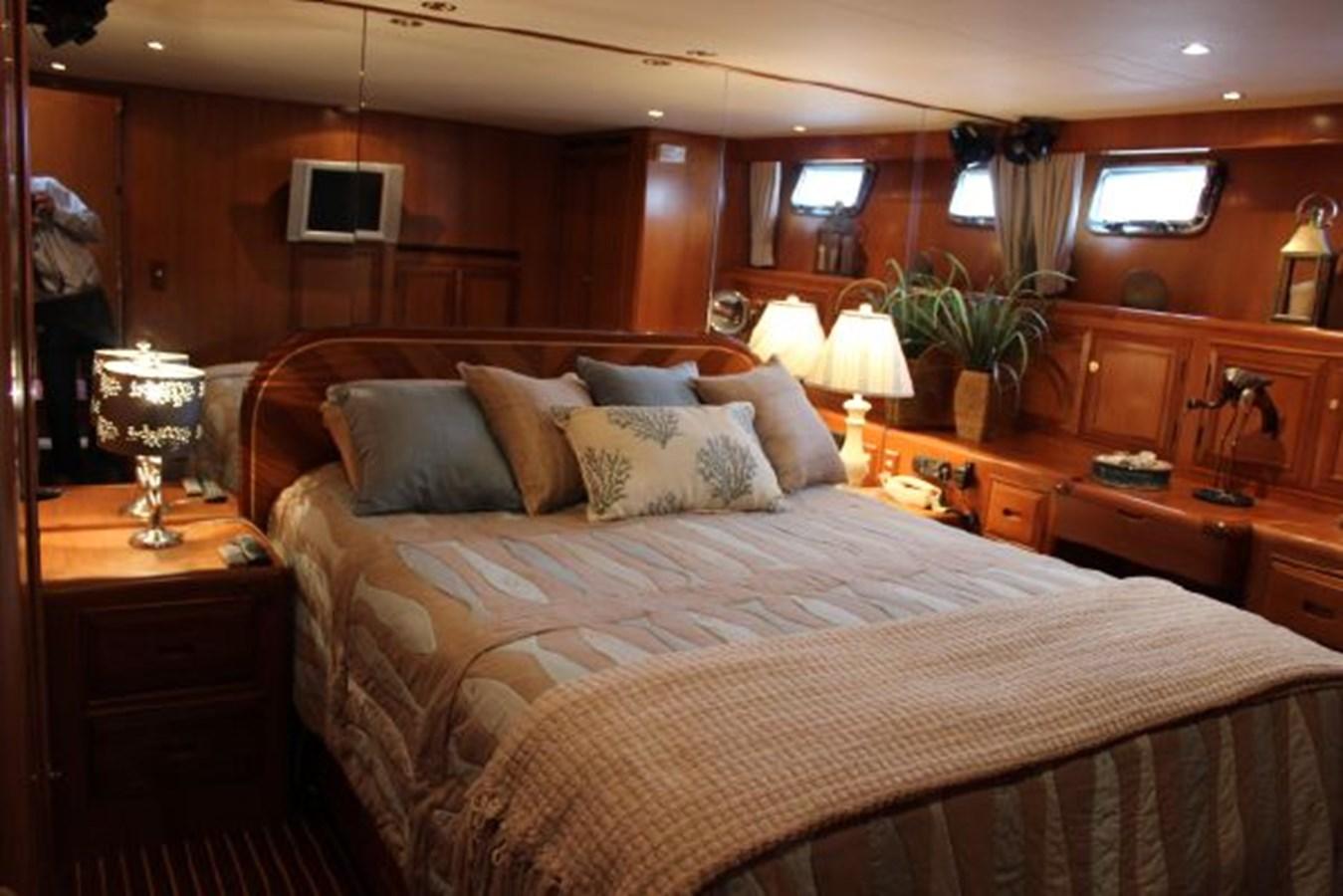 4859061_20141124101751766_1_XLARGE 2000 OCEAN ALEXANDER  Motor Yacht 2837943