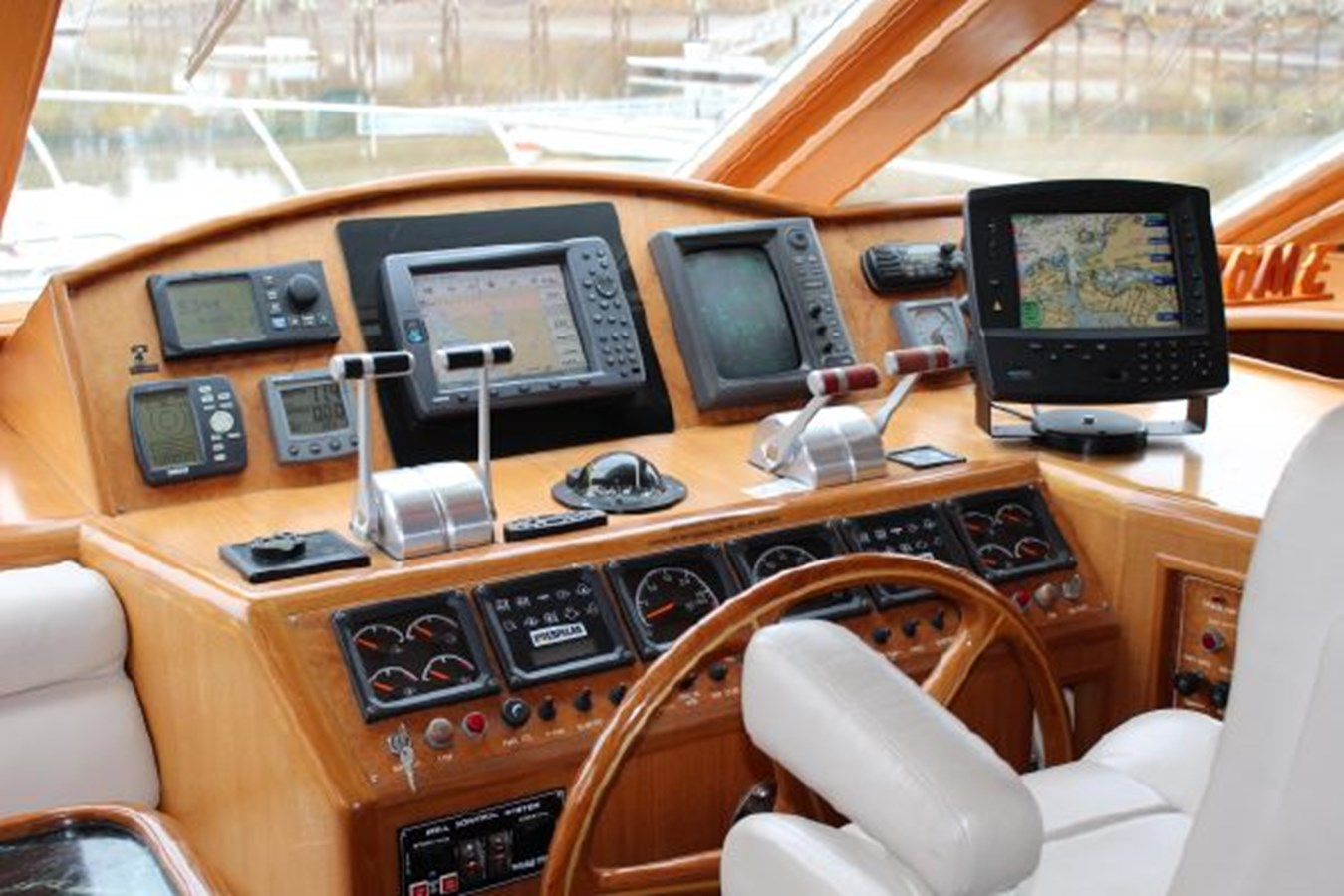 4859061_20141124102751015_1_XLARGE 2000 OCEAN ALEXANDER  Motor Yacht 2837992