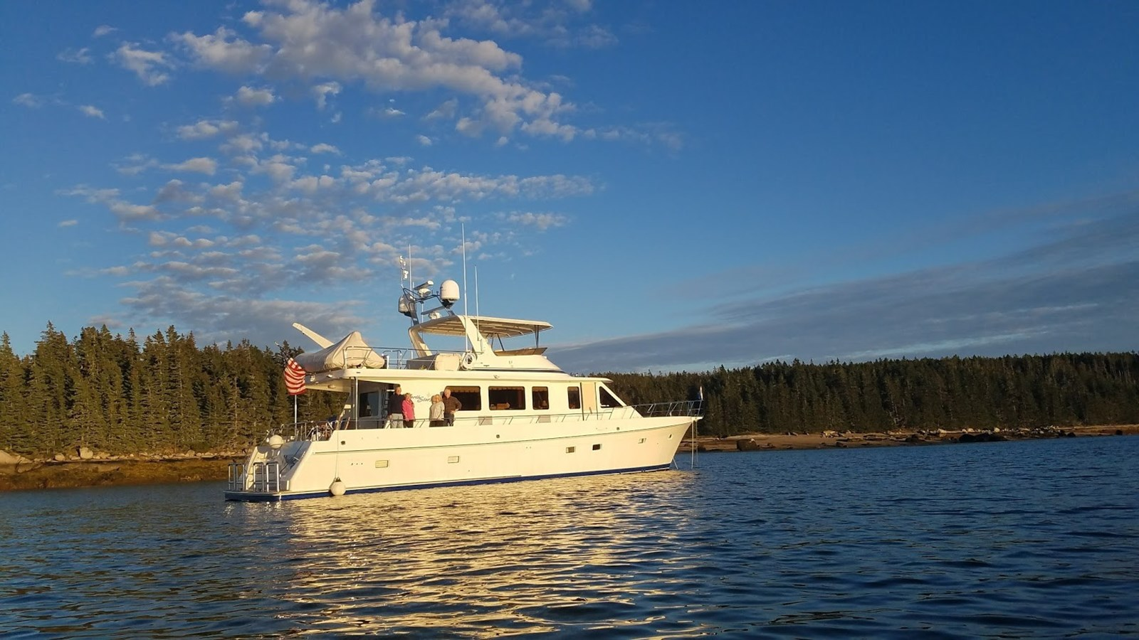 62095 profile with people northwest 2008 OFFSHORE YACHTS  Motor Yacht 2838209