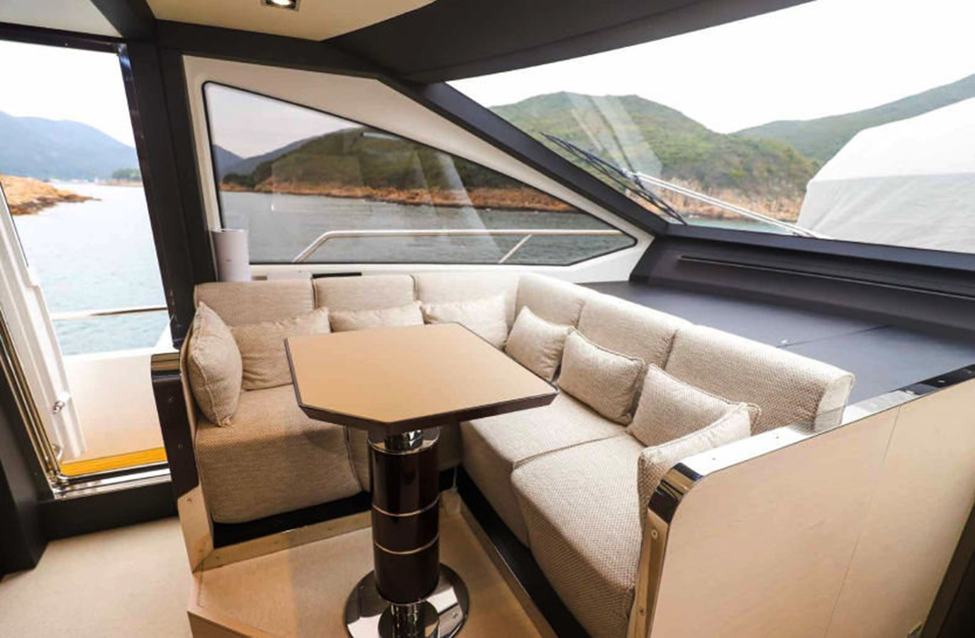 AZ80_4 2015 AZIMUT  Motor Yacht 2839619