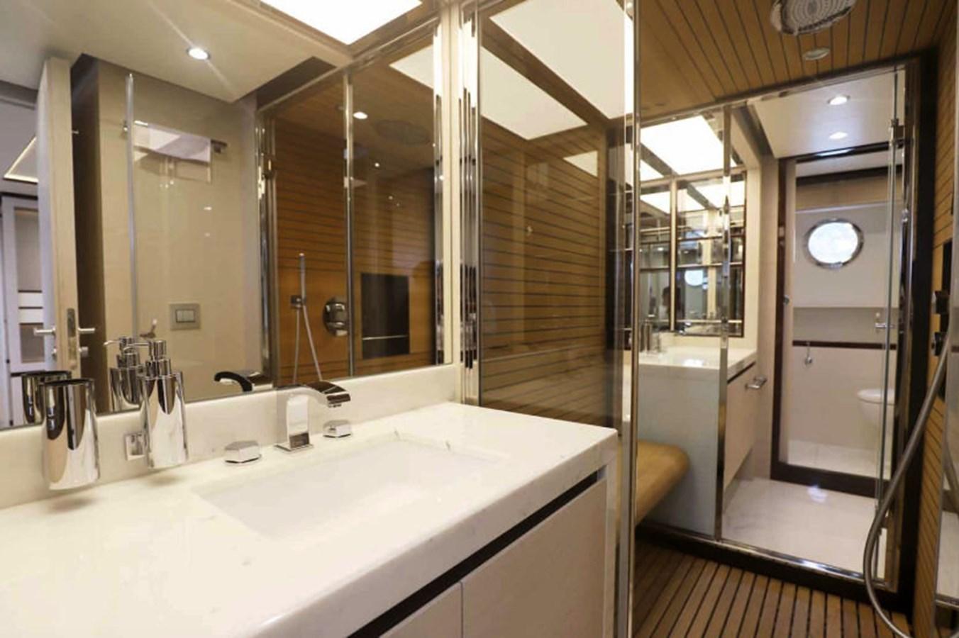 AZ80_1 2015 AZIMUT  Motor Yacht 2839633