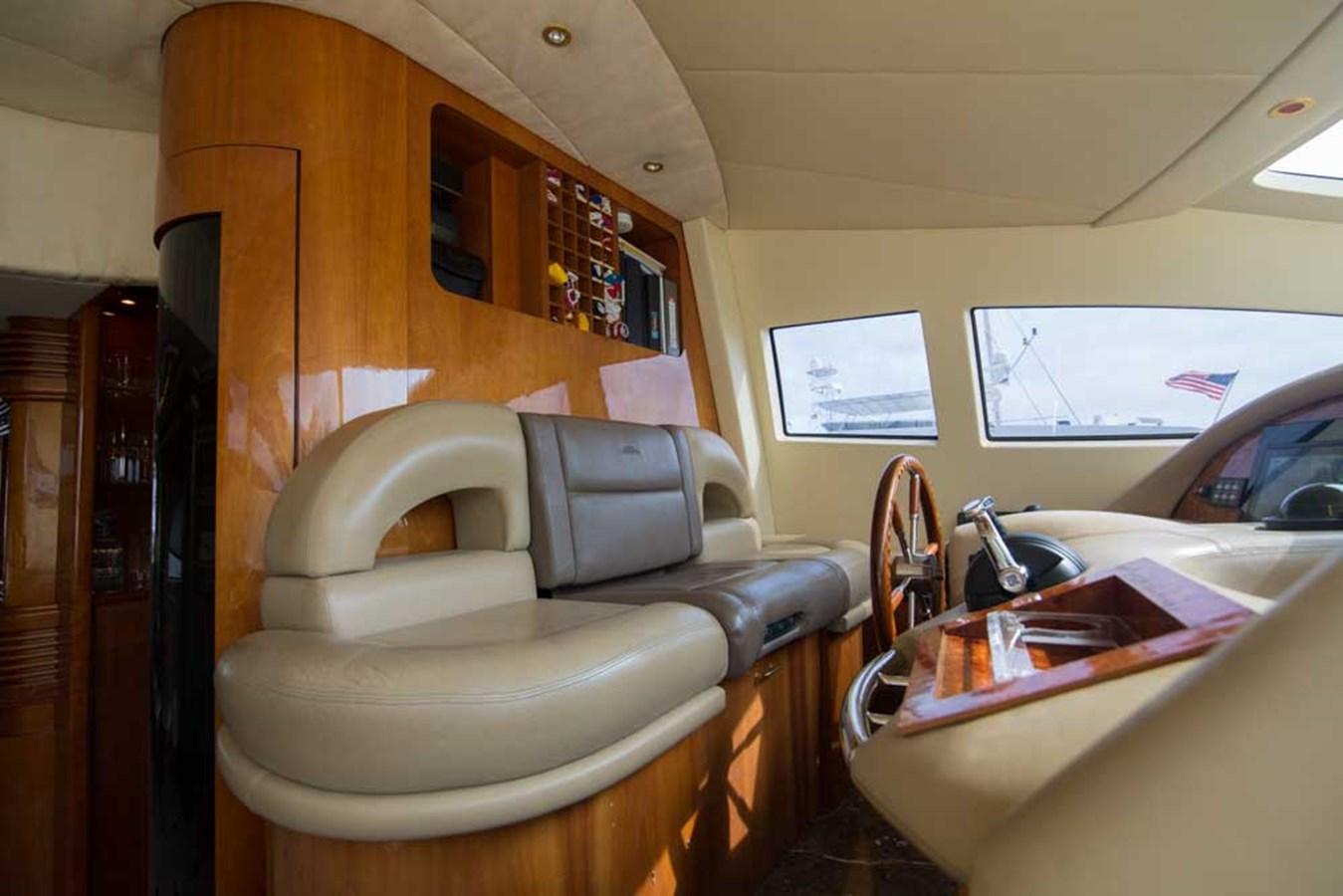 Helm 2001 AZIMUT  Motor Yacht 2845090
