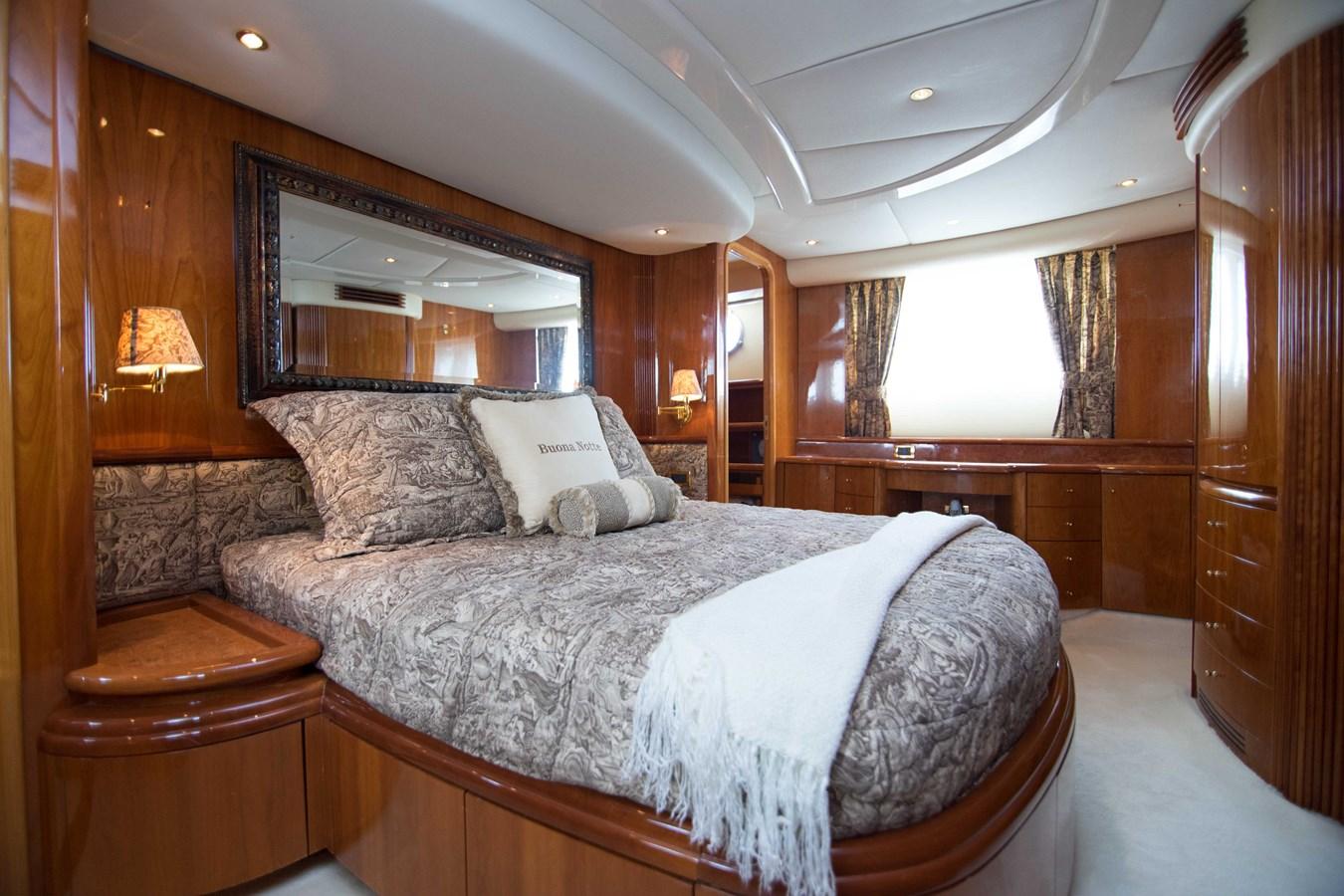 Master Stateroom 2001 AZIMUT  Motor Yacht 2845170