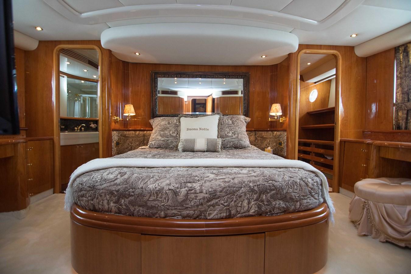 Master Stateroom 2001 AZIMUT  Motor Yacht 2845172