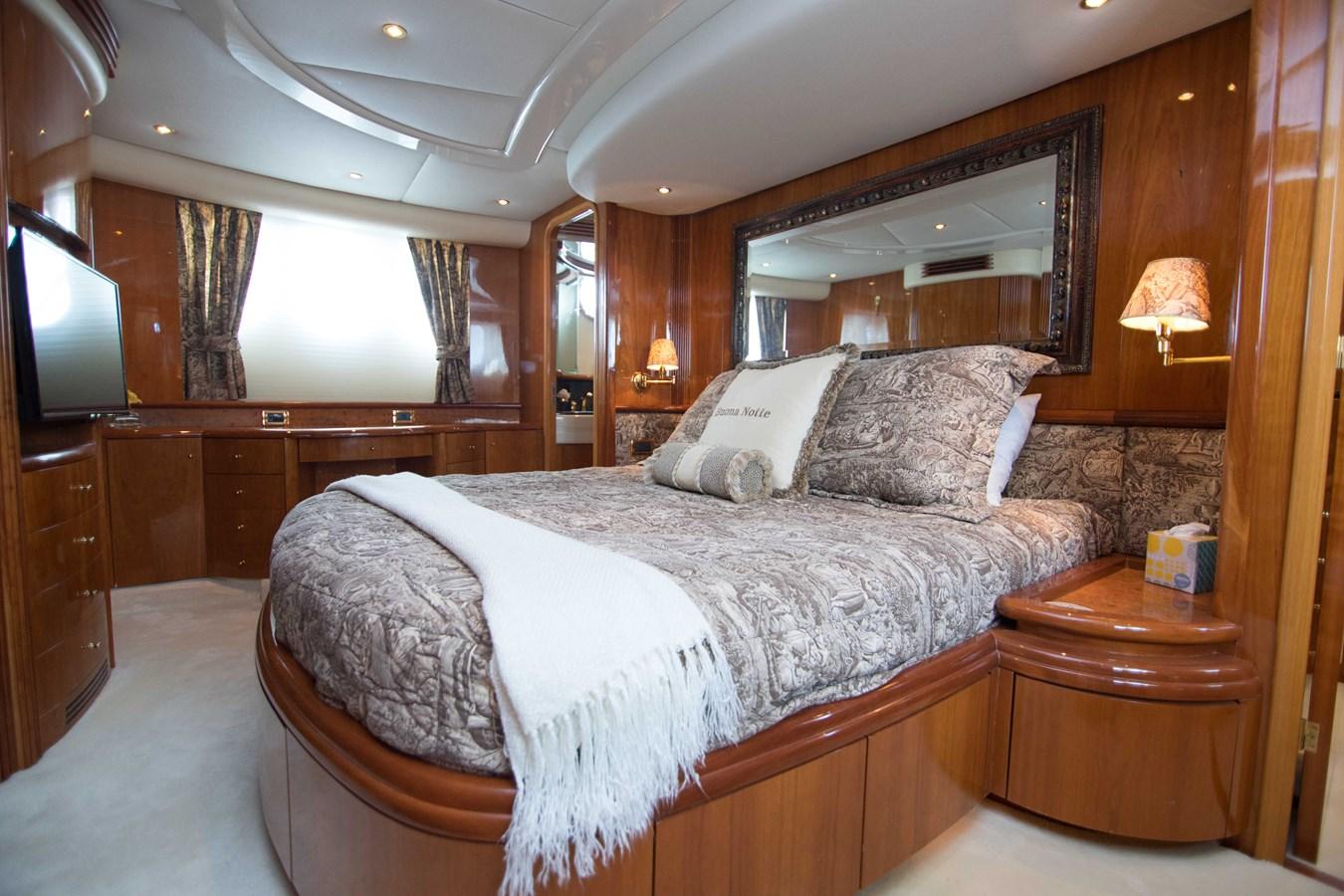 Master Stateroom 2001 AZIMUT  Motor Yacht 2845173