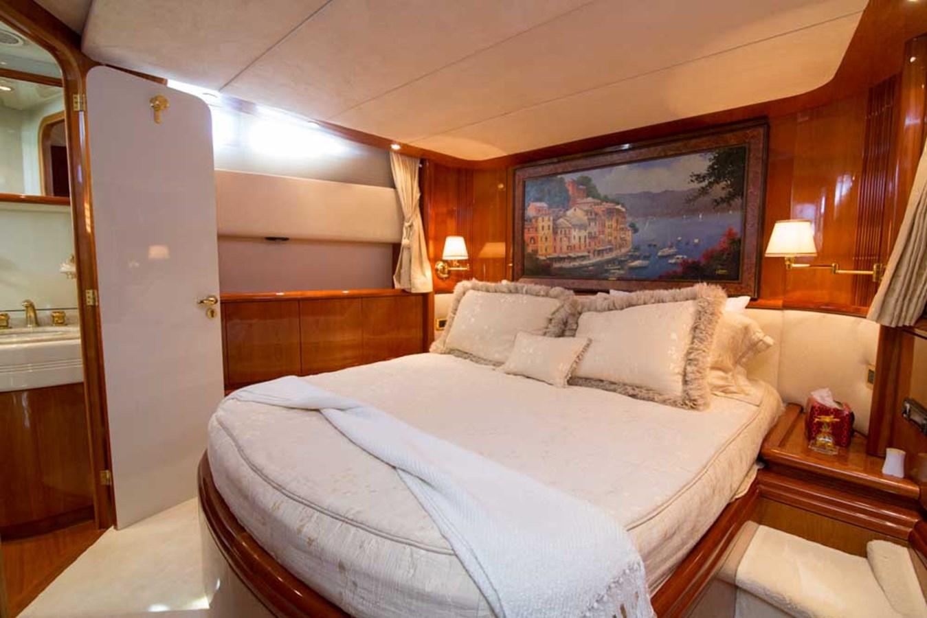 VIP Stateroom 2001 AZIMUT  Motor Yacht 2845195