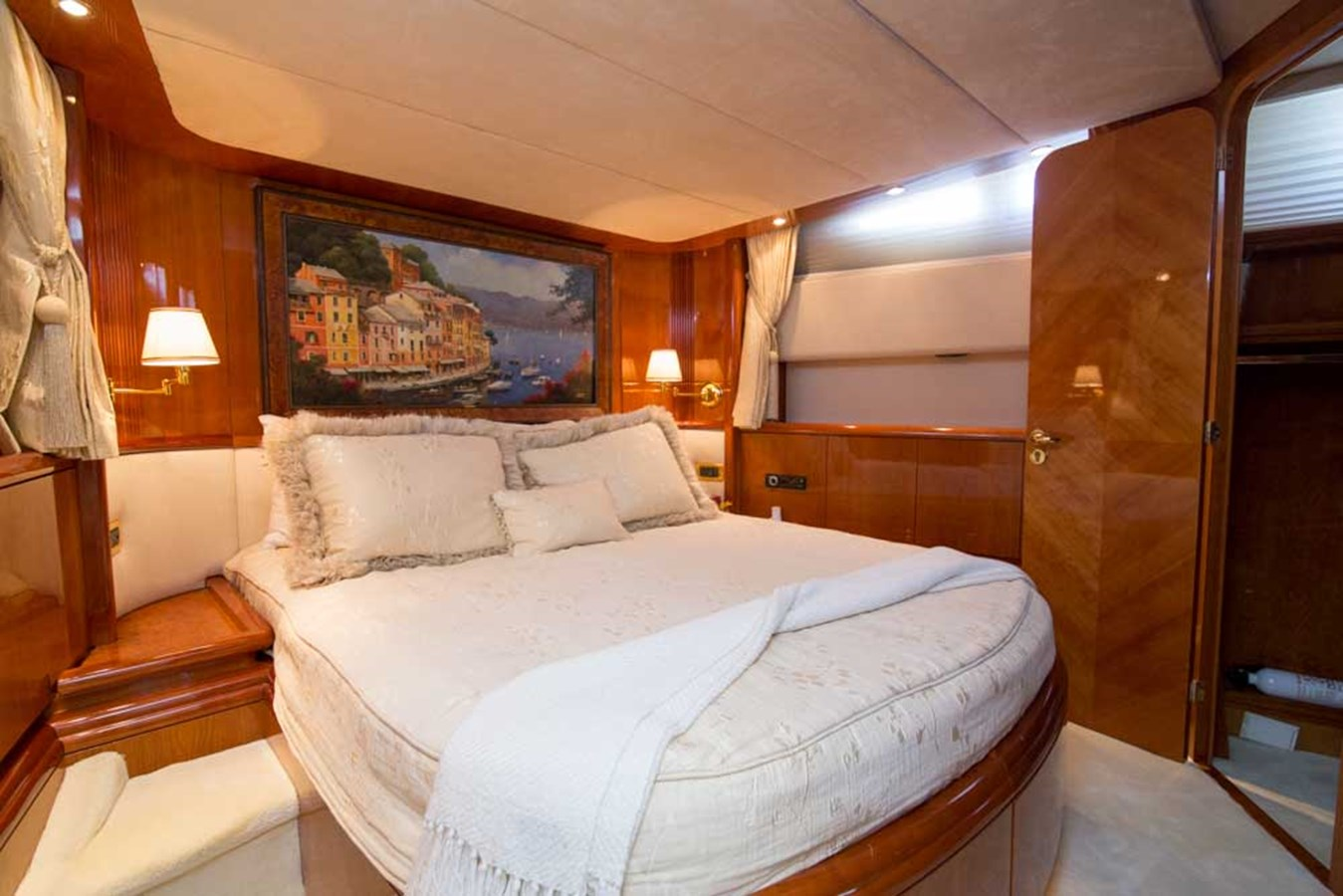 VIP Stateroom 2001 AZIMUT  Motor Yacht 2845196