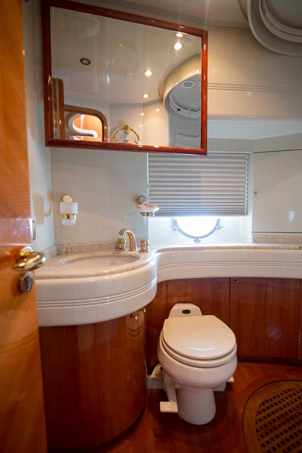 Starboard Guest Stateroom Head 2001 AZIMUT  Motor Yacht 2845212