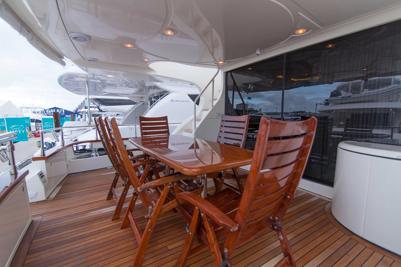 Aft Deck 2001 AZIMUT  Motor Yacht 2845215