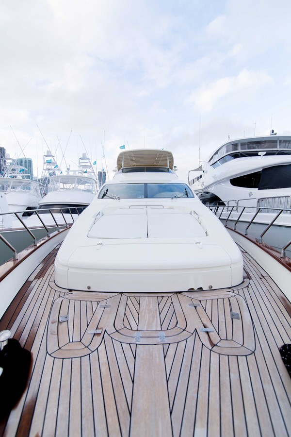 Bow 2001 AZIMUT  Motor Yacht 2845262