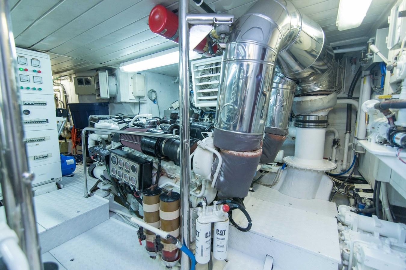 Engine Room 2001 AZIMUT  Motor Yacht 2845266