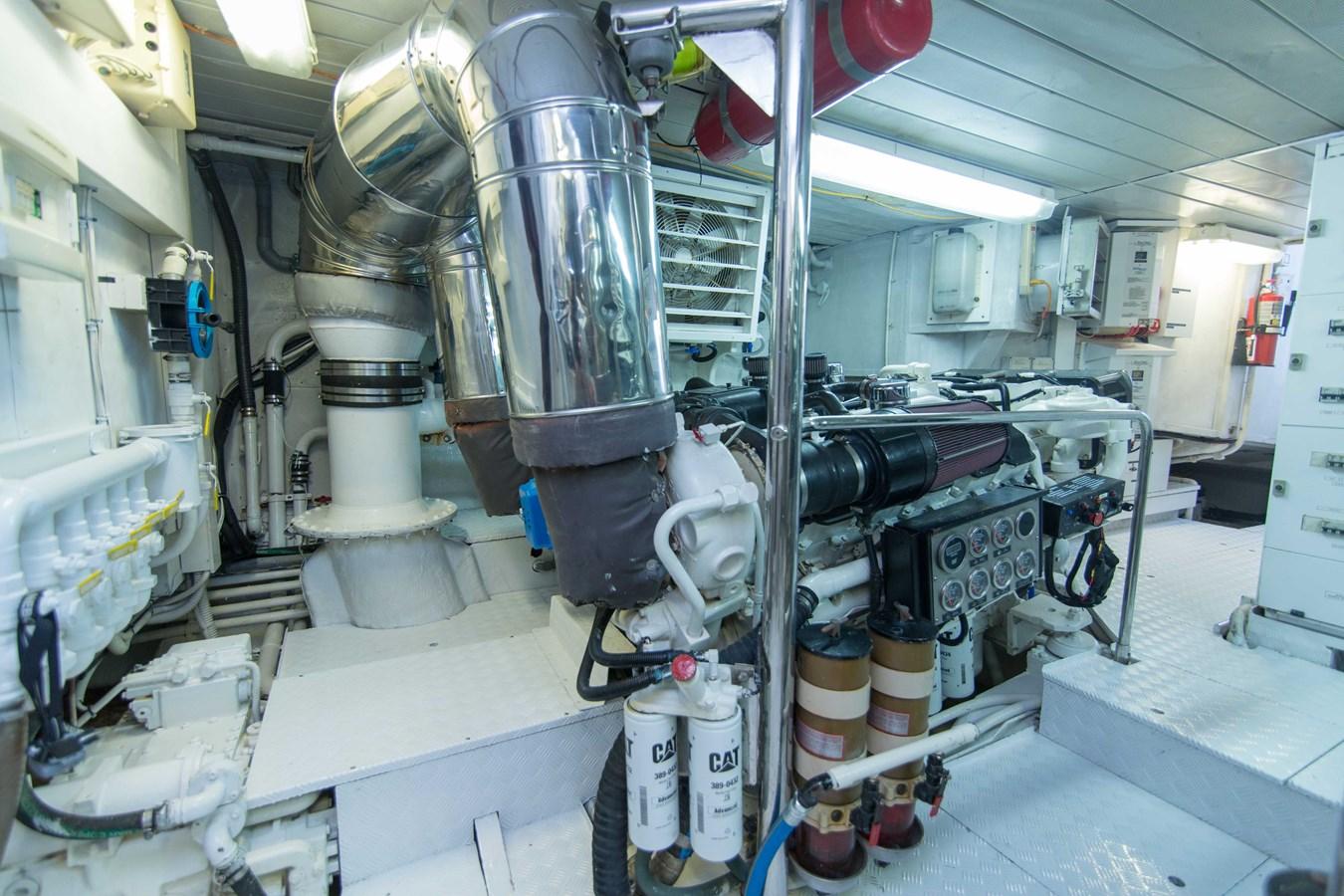 Engine Room 2001 AZIMUT  Motor Yacht 2845267