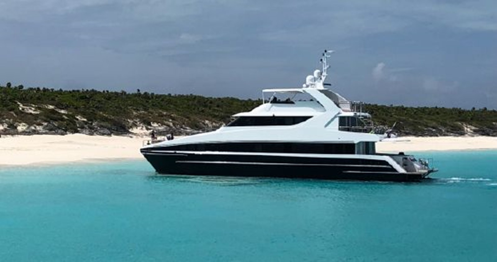 2004 SABRE YACHTS  Catamaran 2845901