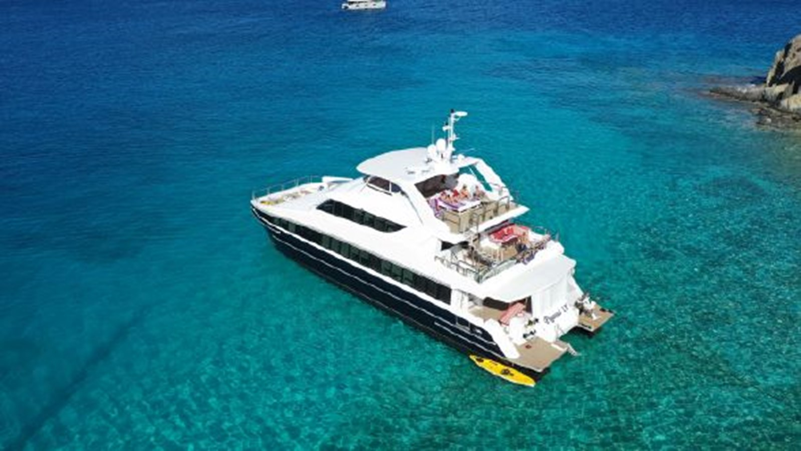 2004 SABRE YACHTS  Catamaran 2845907