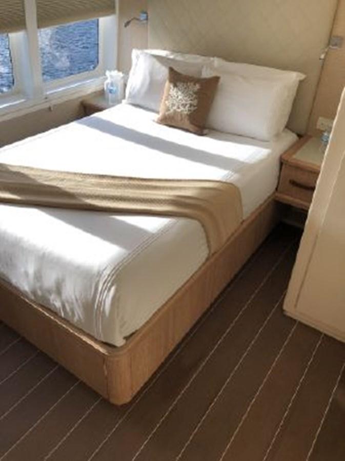 2004 SABRE YACHTS  Catamaran 2845944