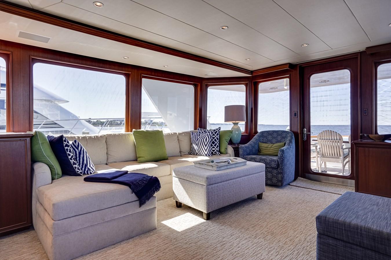 2011 85 Burger - Salon (4) 2001 BURGER 85 Motor Yacht Motor Yacht 2846422