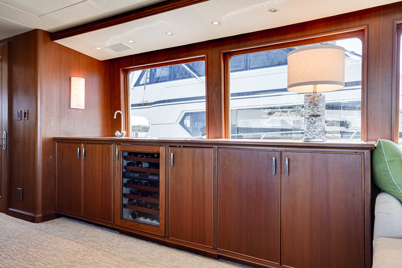 2011 85 Burger - Salon (7) 2001 BURGER 85 Motor Yacht Motor Yacht 2846424