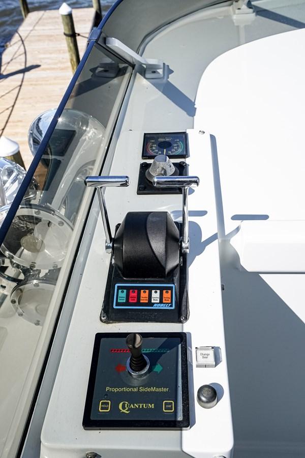 2011 85 Burger - Flybridge Helm (3) 2001 BURGER 85 Motor Yacht Motor Yacht 2847200