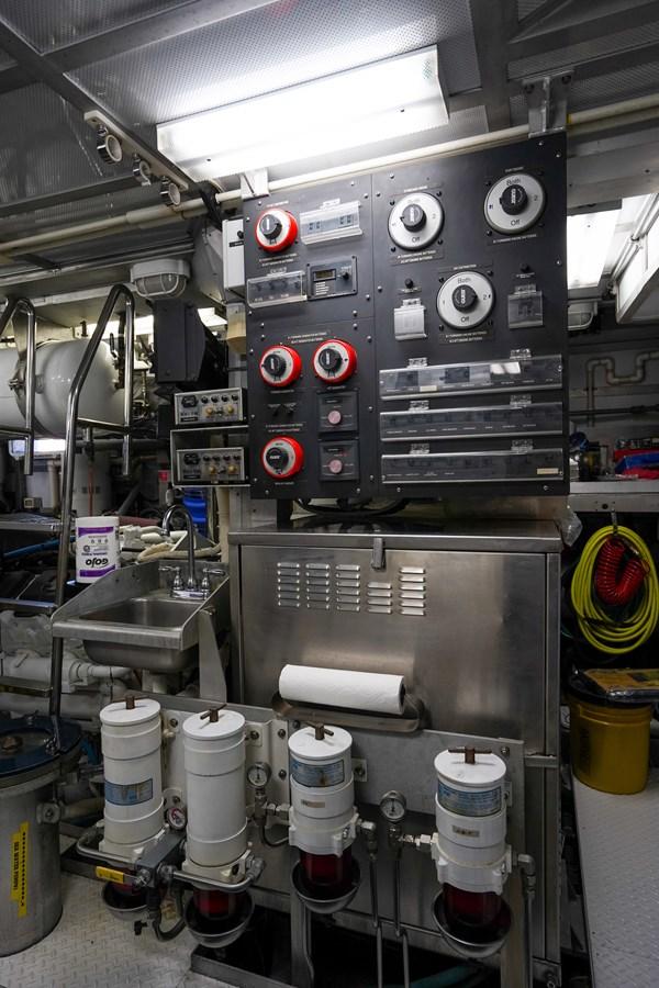 2011 85 Burger - Engine Room (6) 2001 BURGER 85 Motor Yacht Motor Yacht 2847207