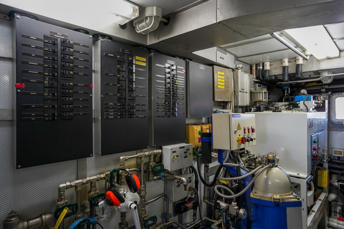 2011 85 Burger - Engine Room (9) 2001 BURGER 85 Motor Yacht Motor Yacht 2847210