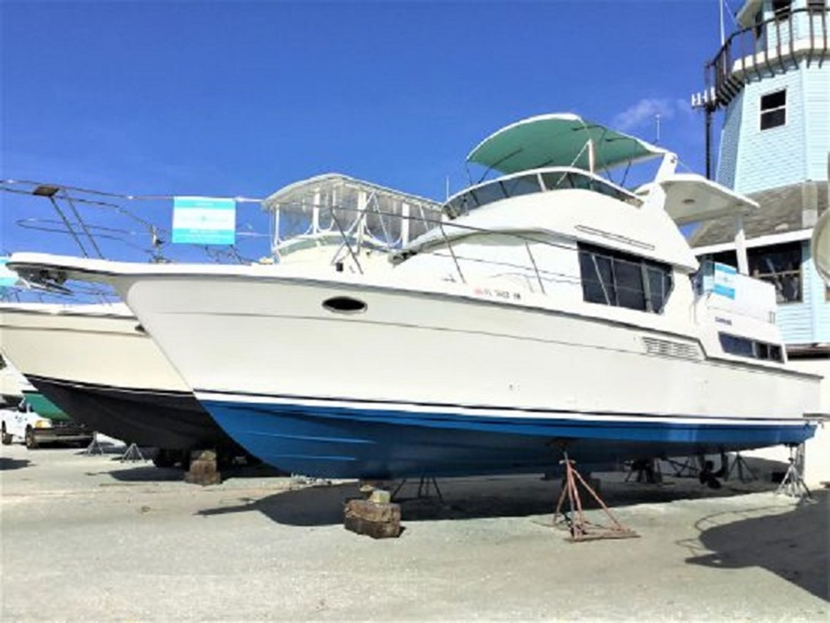 262274 1994 CARVER  Motor Yacht 2847335