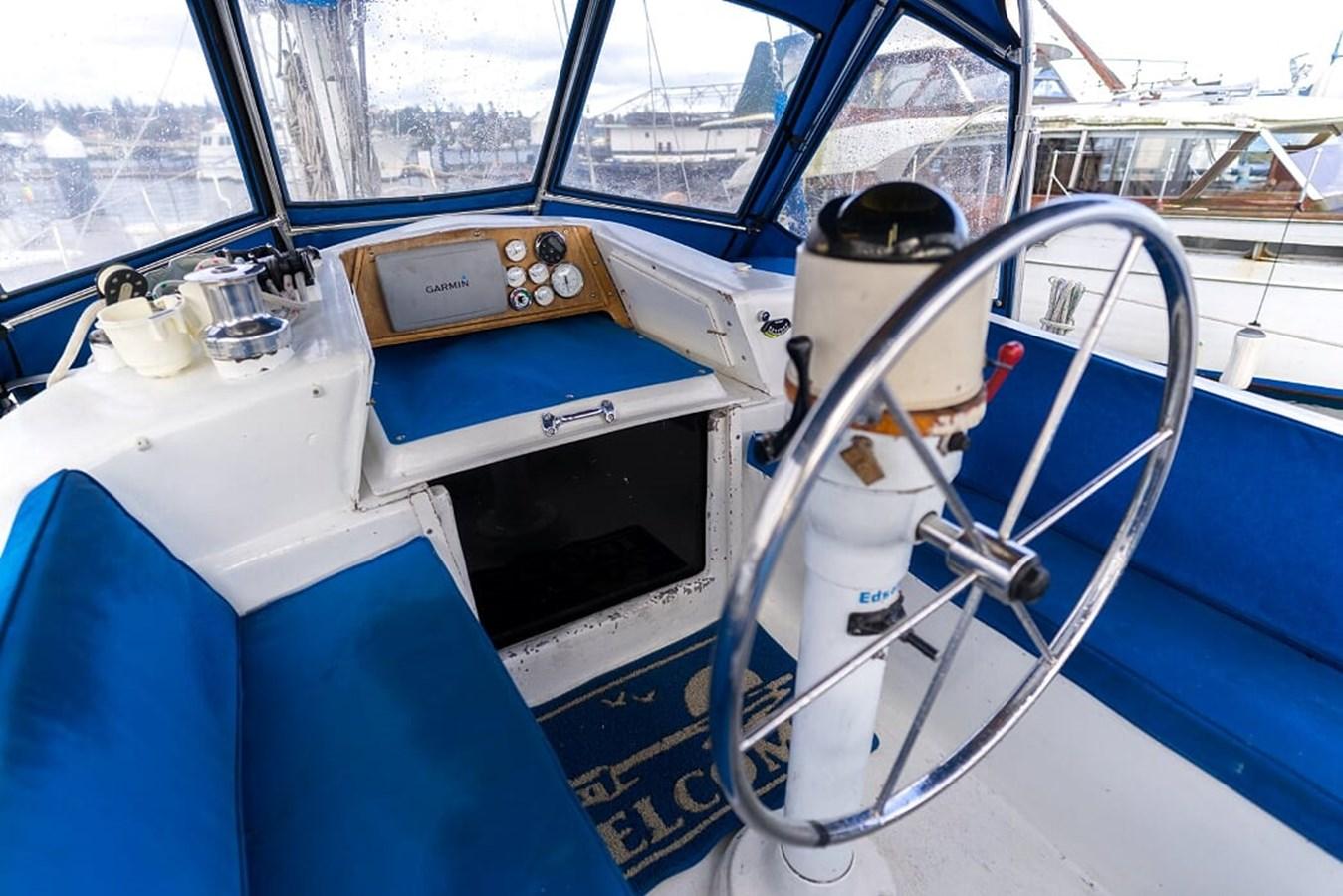 DSC05909 1980 CUSTOM Frederick Amor Center Cockpit 2850788