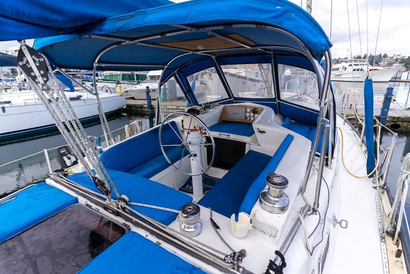 DSC05911 1980 CUSTOM Frederick Amor Center Cockpit 2850789