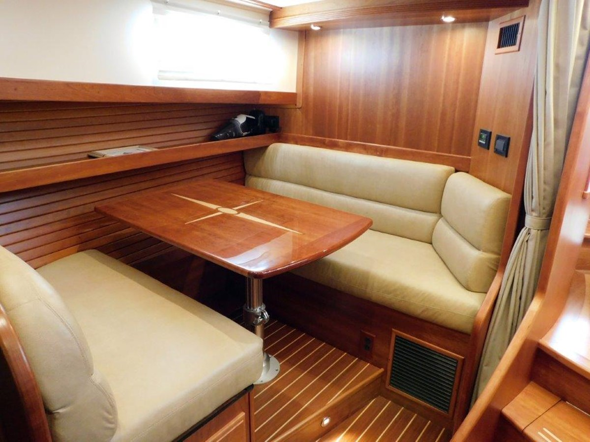 Dining Seating and Convertible bed 2014 SABRE YACHTS 42 Salon Express Motor Yacht 2853482