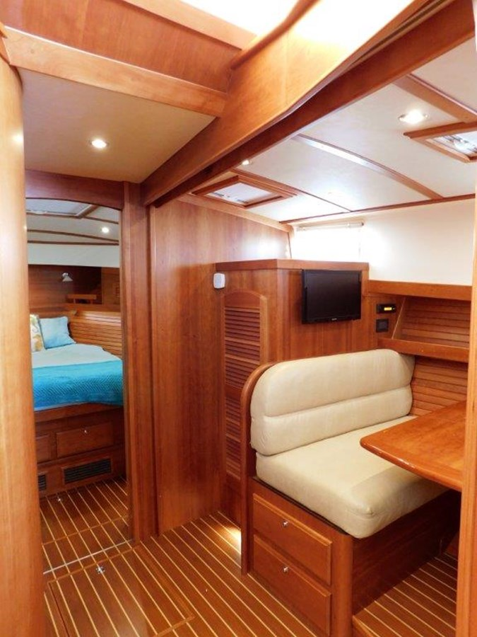 Dining Seating and Convertible bed 2014 SABRE YACHTS 42 Salon Express Motor Yacht 2853483