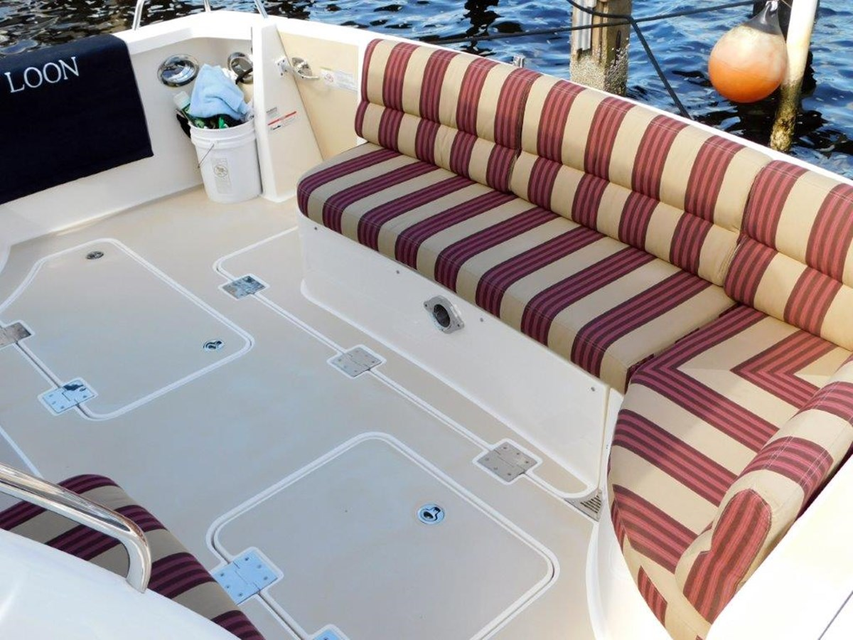 Aft Deck Seating  2014 SABRE YACHTS 42 Salon Express Motor Yacht 2853504