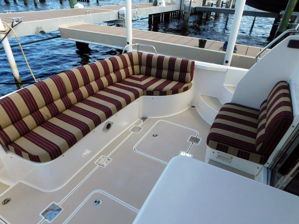 Aft Deck Seating 2014 SABRE YACHTS 42 Salon Express Motor Yacht 2853505