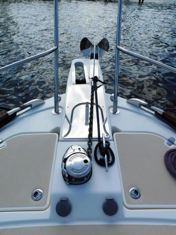 Windlass and Anchor 2014 SABRE YACHTS 42 Salon Express Motor Yacht 2853510