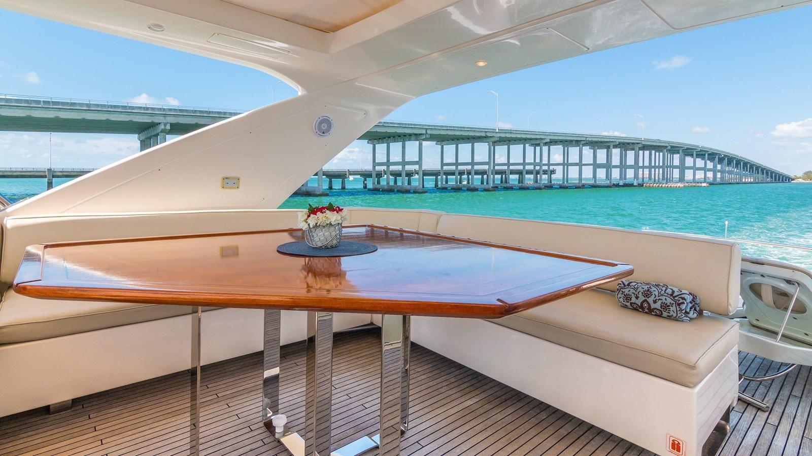 2011 AZIMUT 70 Flybridge Motor Yacht 2945281