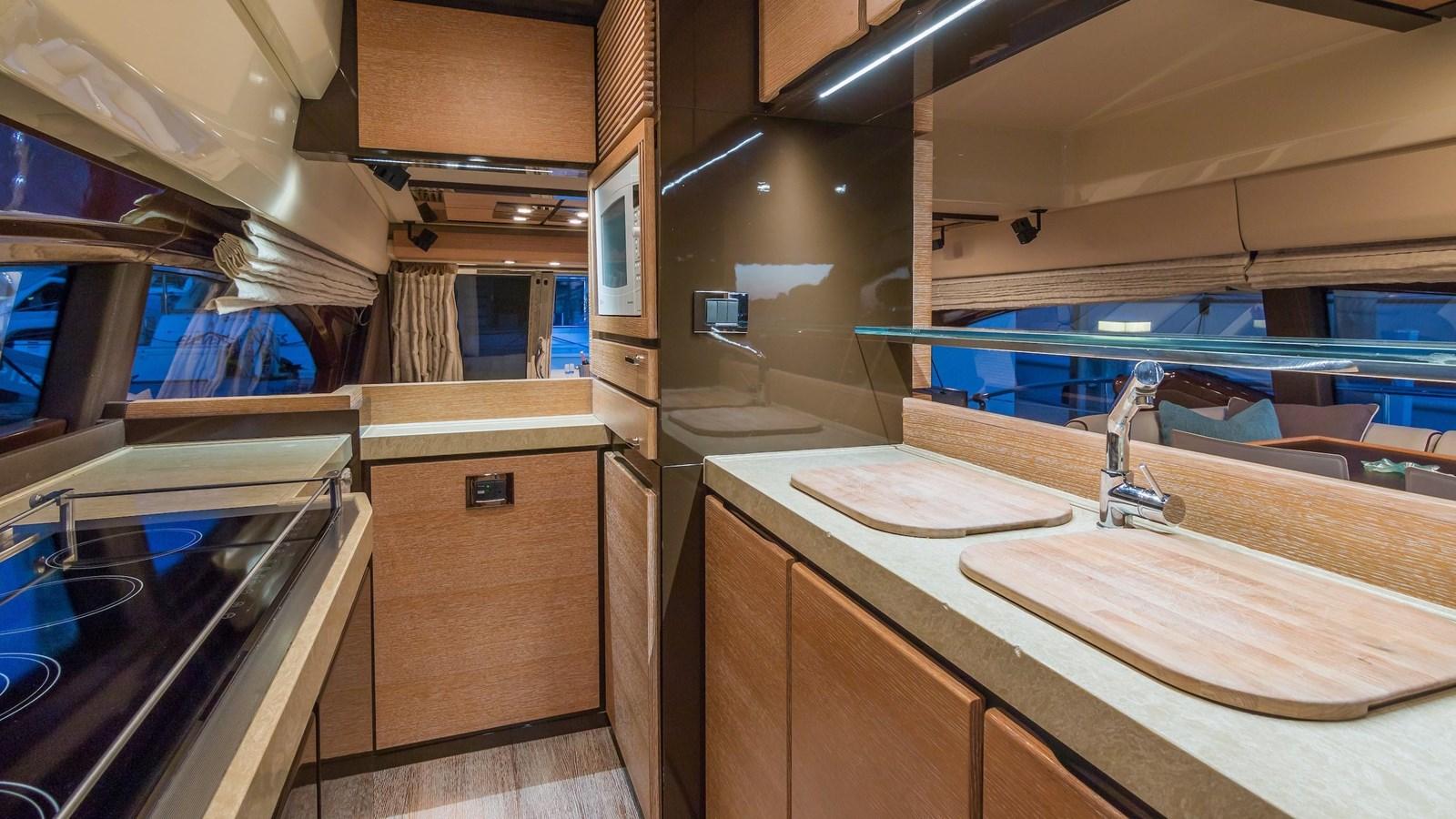 2011 AZIMUT 70 Flybridge Motor Yacht 2945284