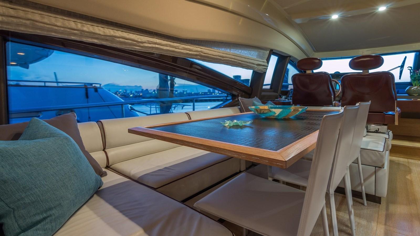 2011 AZIMUT 70 Flybridge Motor Yacht 2945285