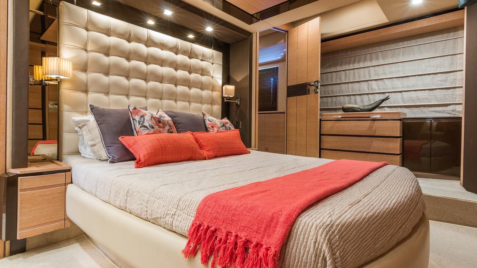 2011 AZIMUT 70 Flybridge Motor Yacht 2945287