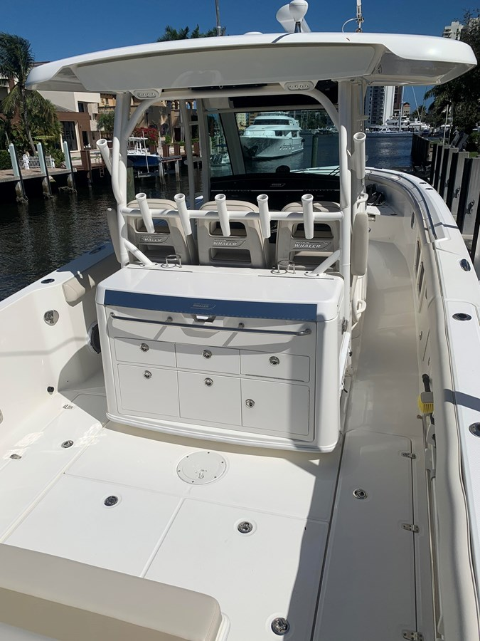 8_IMG_6131 2017 BOSTON WHALER 350 Outrage Center Console 2856349