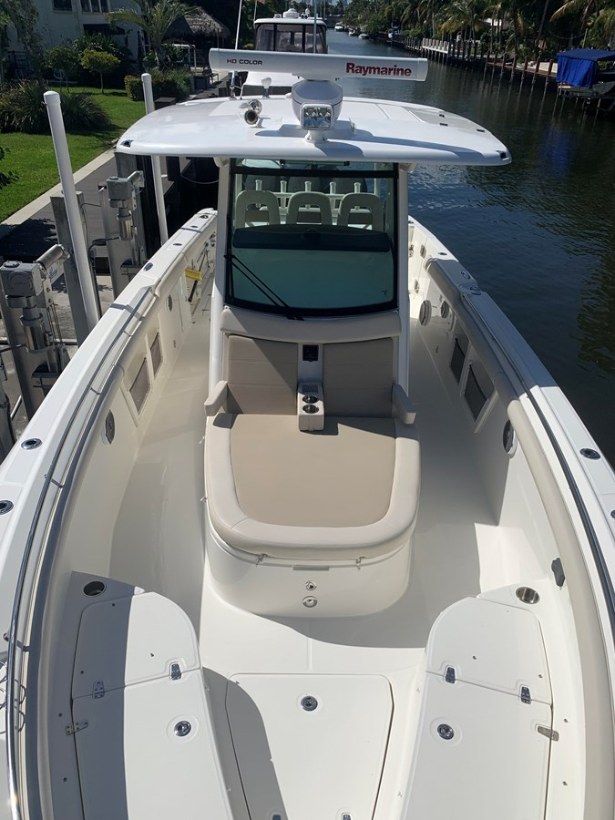 13_IMG_6137 2017 BOSTON WHALER 350 Outrage Center Console 2856354