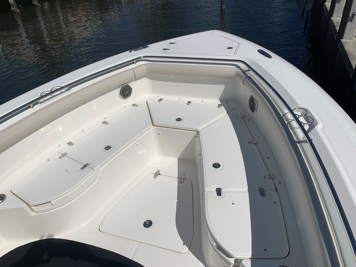 14_IMG_6141 2017 BOSTON WHALER 350 Outrage Center Console 2856355