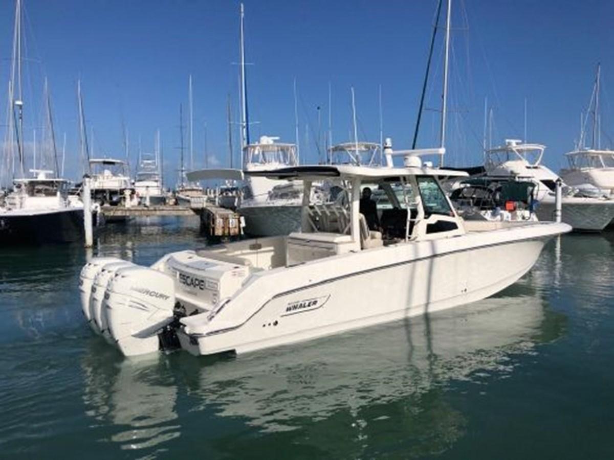 7372585_20200221134313696_1_XLARGE 2020 BOSTON WHALER  Deck Boat 2856385