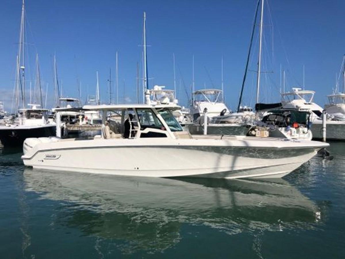 7372585_20200221134317575_1_XLARGE 2020 BOSTON WHALER  Deck Boat 2856386