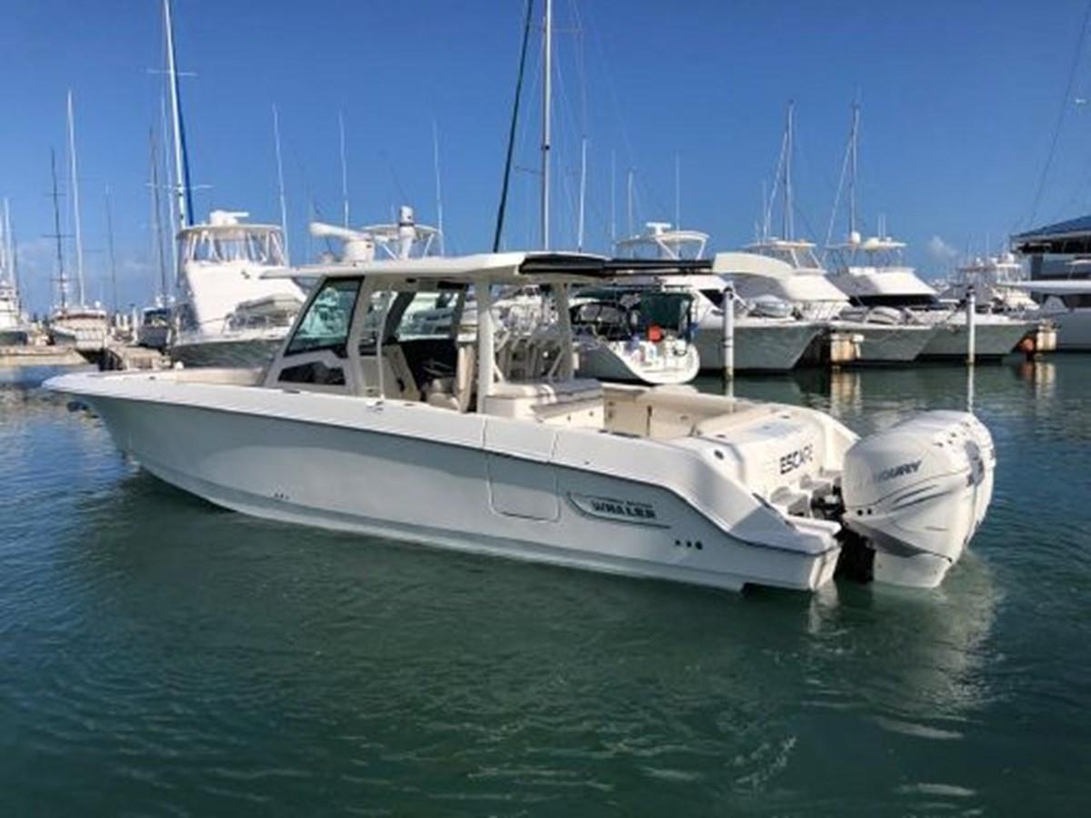 7372585_20200221134416662_1_XLARGE 2020 BOSTON WHALER  Deck Boat 2856387