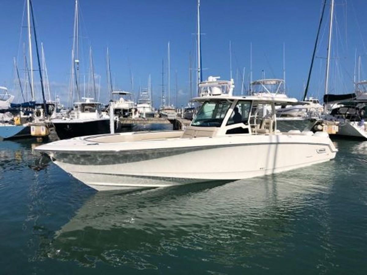 7372585_20200221134418396_1_XLARGE 2020 BOSTON WHALER  Deck Boat 2856388