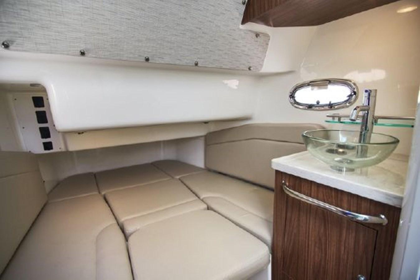7372585_20200220095404704_1_XLARGE 2020 BOSTON WHALER  Deck Boat 2856390