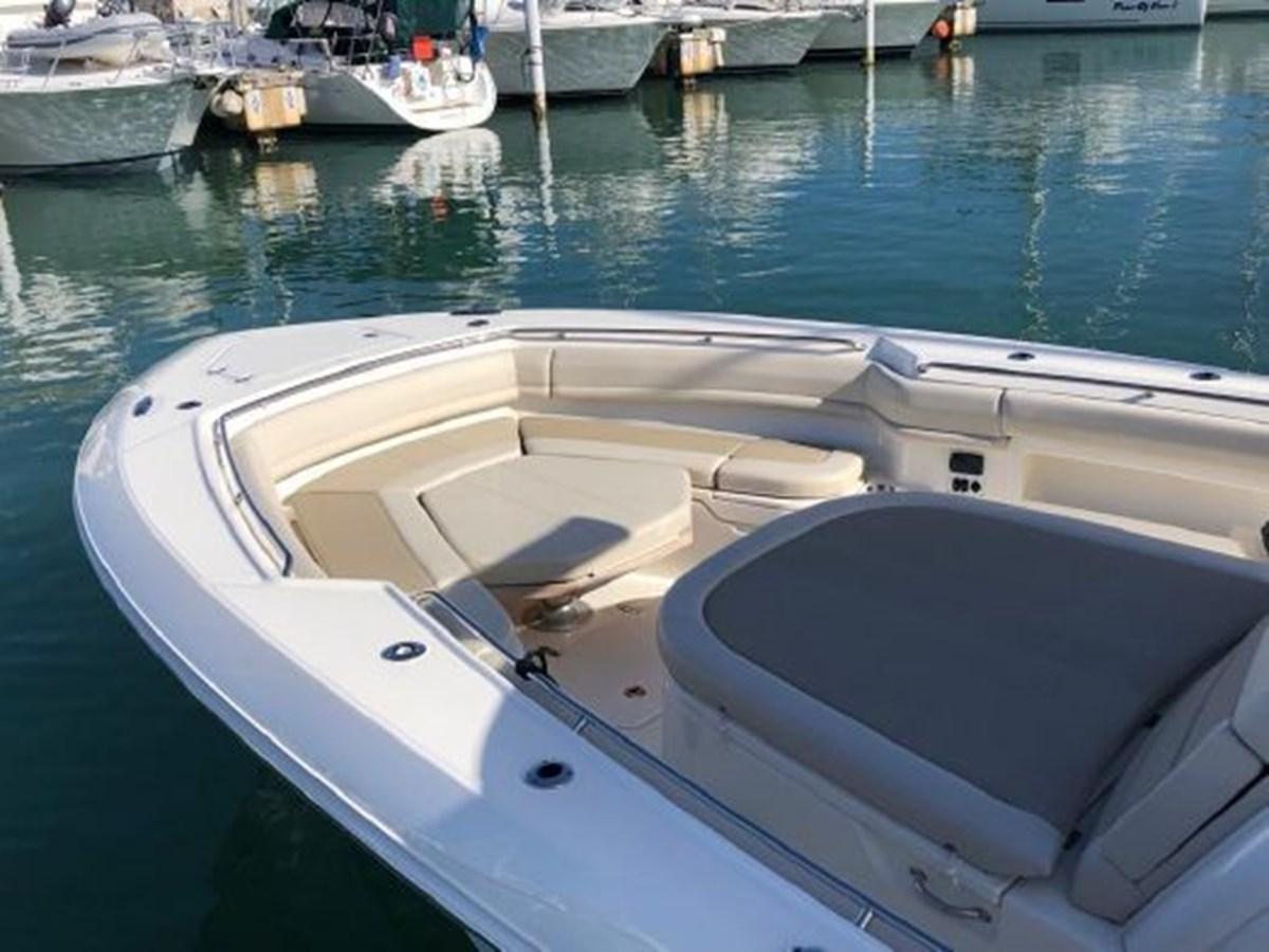 7372585_20200221134309824_1_XLARGE 2020 BOSTON WHALER  Deck Boat 2856398