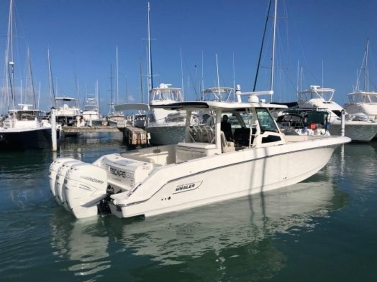 BW 380 Outrage 2020 Re-zise 2020 BOSTON WHALER  Deck Boat 2856413
