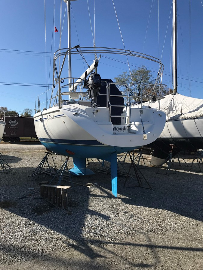 2004 CATALINA 42 MkII Cruising Sailboat 2862579