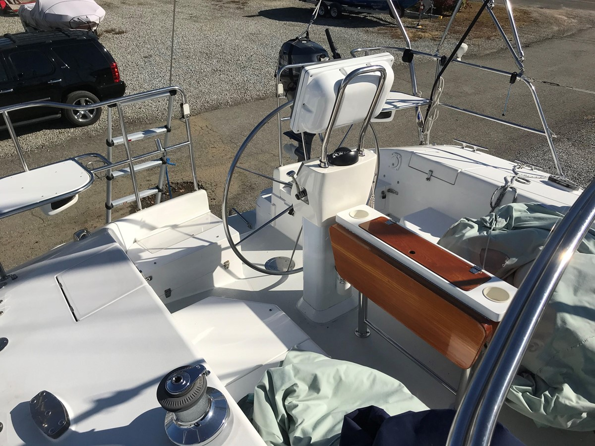 2004 CATALINA 42 MkII Cruising Sailboat 2862585