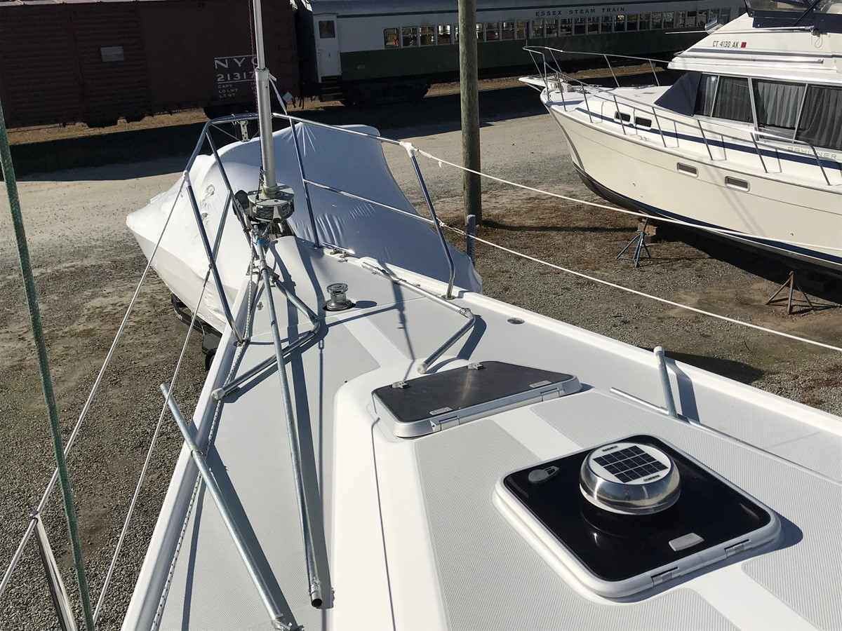 2004 CATALINA 42 MkII Cruising Sailboat 2862586