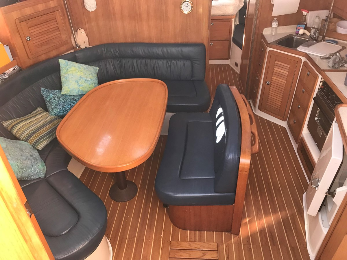 2004 CATALINA 42 MkII Cruising Sailboat 2862587